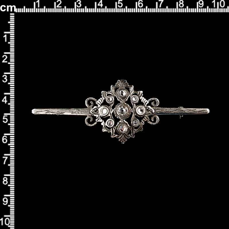 Aguja pecho 1823559, cristal, plata vieja.