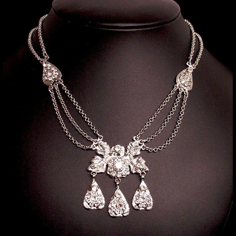 Collar 2005, 3 centros, cadenas, cristal, rodio.