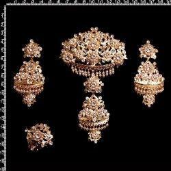 Aderezo 210, cristal, oro, perla de imitación.