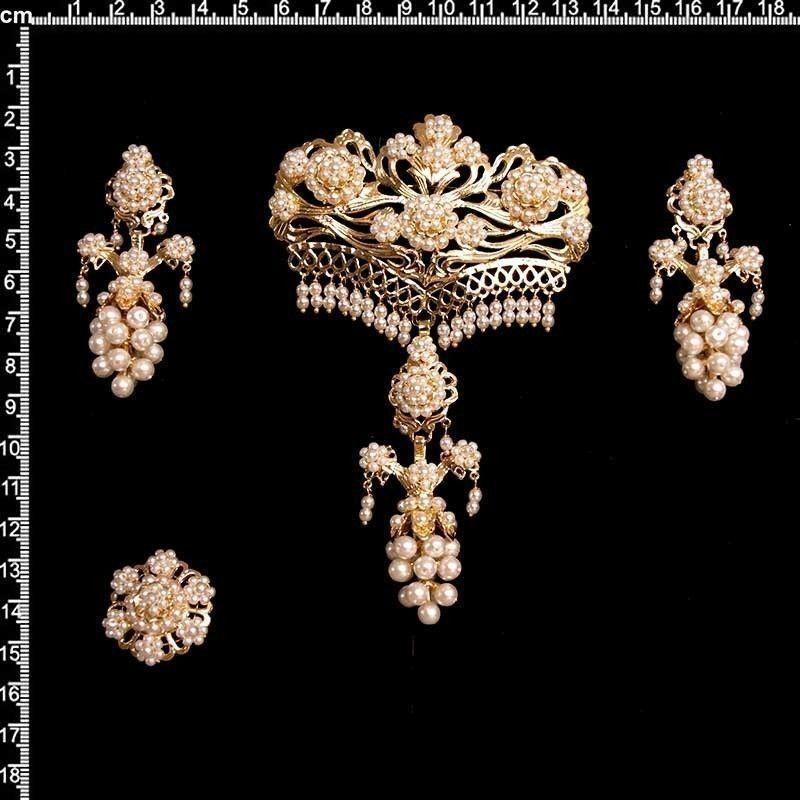 Aderezo 964, racimo, perla imitación, oro.