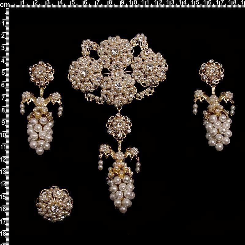 Aderezo de valenciana 7016, de racimo, cristal, oro. Perla de imitación.