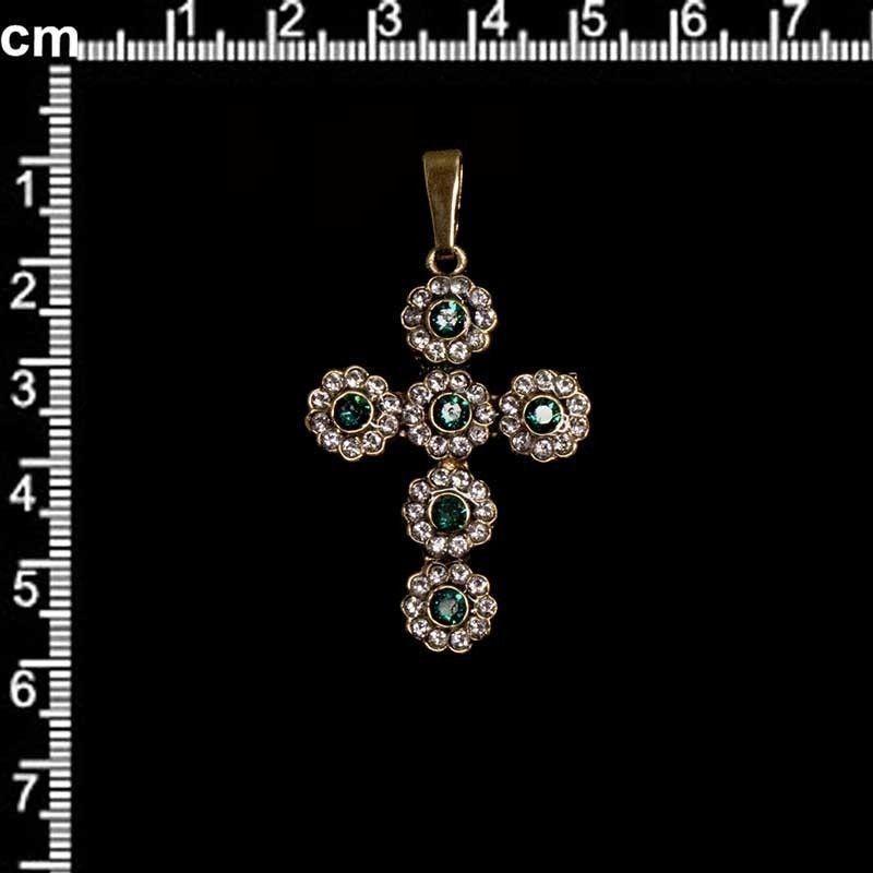 Cruz 13224, esmeralda-cristal, oro viejo negro.