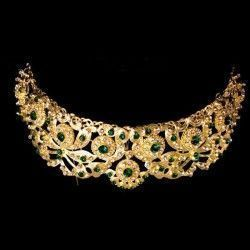 Peineta de castellonera 972, esmeralda, oro.
