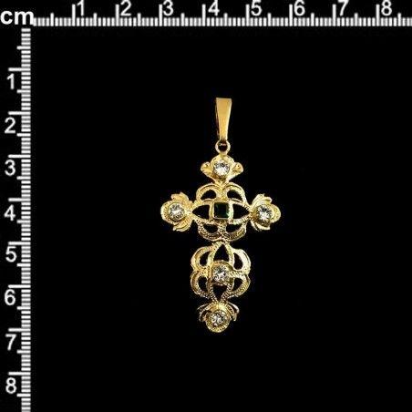 Cruz 801, esmeralda, oro.