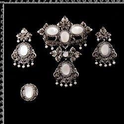 Aderezo de valenciana 9301N, nácar, black diamond, plata óxido.
