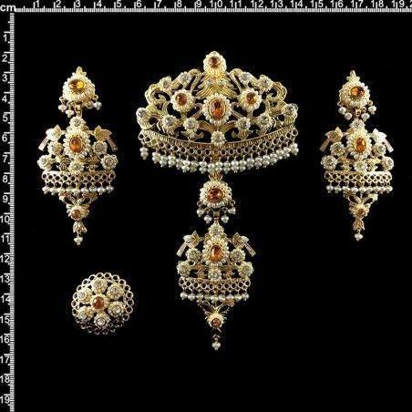 Aderezo de valenciana 999, topacio, oro chapado, perla natural.