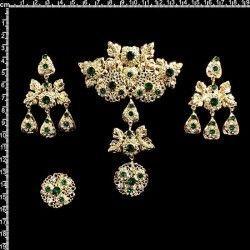 Aderezo fallera 2005, esmeralda-cristal, oro.