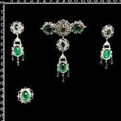 Aderezo de valenciana 2307, esmeralda, plata.