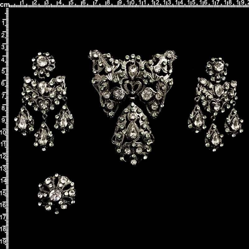Aderezo de fallera 808, cristal-black diamond, rutenio.
