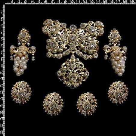 Aderezo fallera 261, cristal, oro, perla natural.