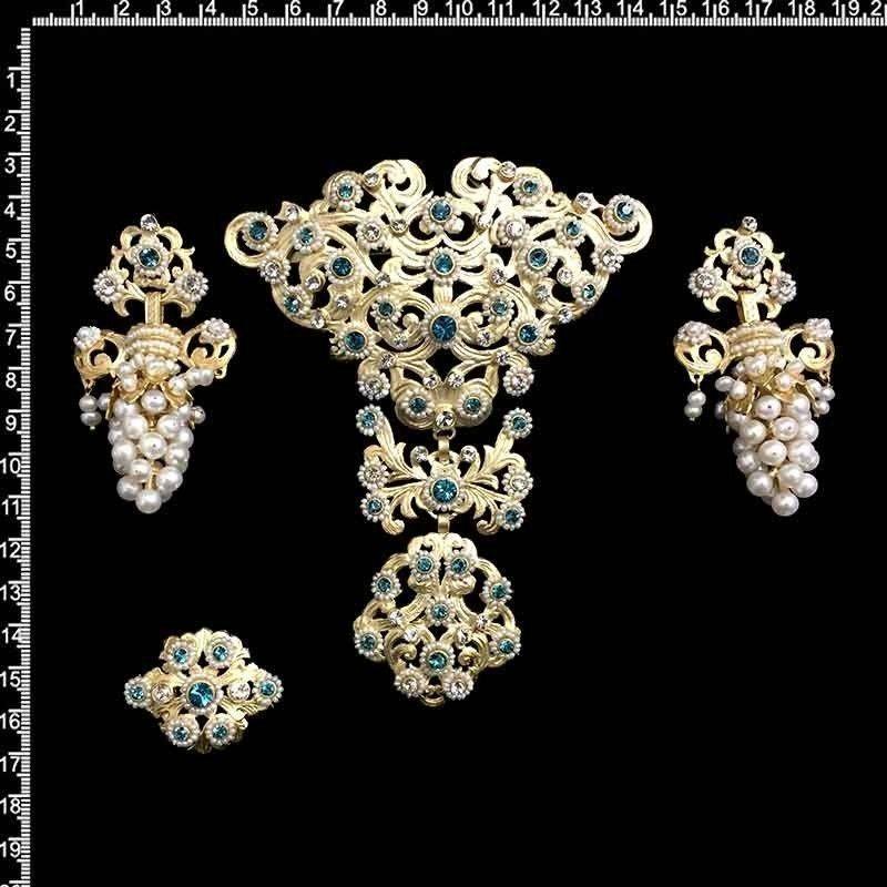Aderezo de fallera 262, indicolite, oro, perla natural.