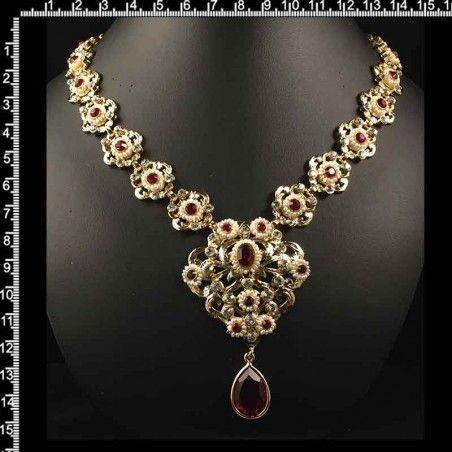 Gargantilla 259, rubí, oro, perla natural.