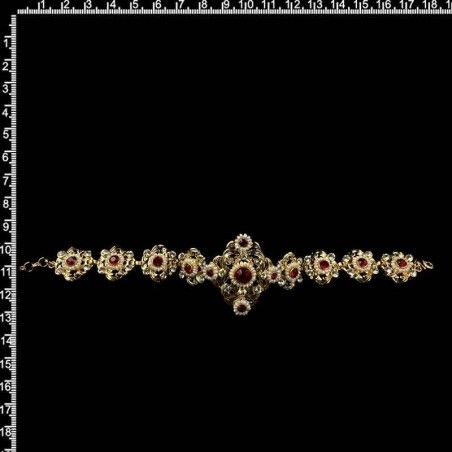 Brazalete 259, rubí, perla natural, oro.