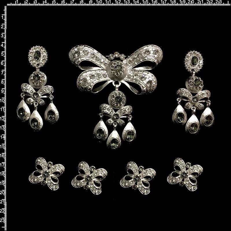 Aderezo 701, black diamond, rodio.