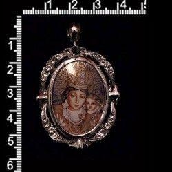Colgante 1121, Virgen de los Desamparados, cristal, rodio.